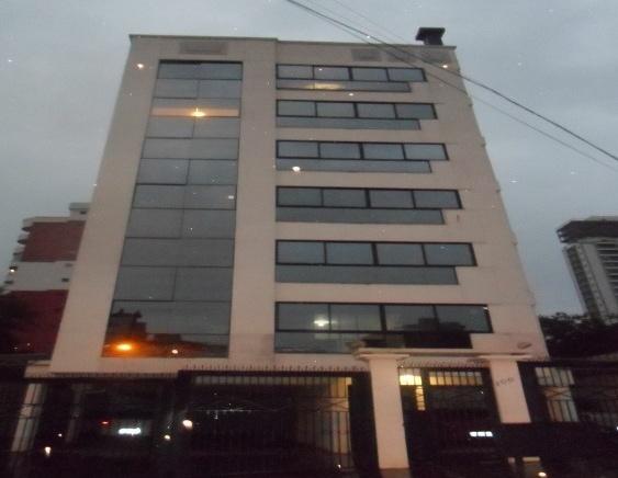 Ed. San Pietro.   2 Dorm. com suite e garagem